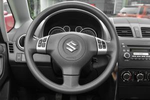 天语SX4方向盘图片