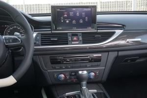 奥迪RS6中控台正面图片