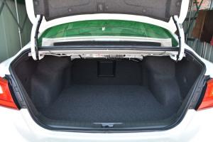 天籁行李箱空间图片