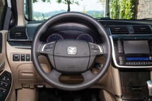 Z300方向盘
