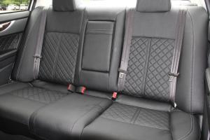 众泰Z500后排座椅图片