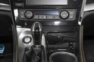 日产西玛 中控台空调控制键