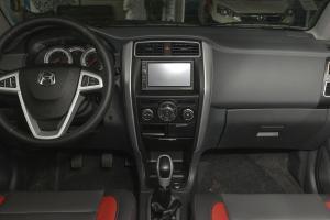 利亚纳A6两厢中控台正面图片