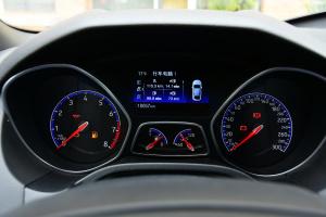 福克斯RS仪表盘背光显示图片