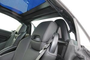 奔驰SLC级驾驶员头枕图片