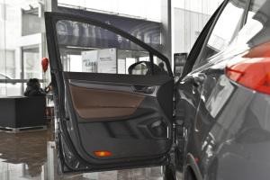 帝豪GS驾驶员侧车门内门板