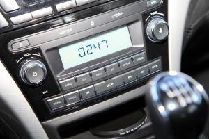 蒂阿兹中控台音响控制键