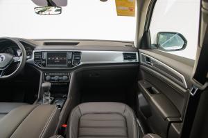 途昂2017款 330TSI 两驱豪华版 外观极光白 内饰自然棕