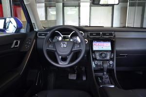 S330驾驶位区域