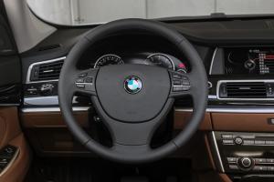 宝马5系GT方向盘图片