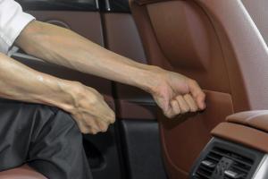 宝马5系GT后排腿部空间体验图片