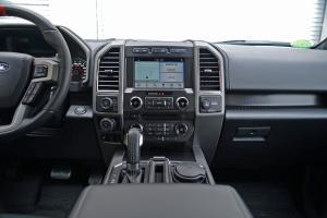 福特F-150中控台正面图片