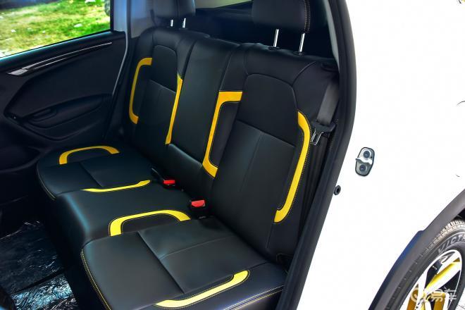 雪铁龙C3-XRC3-XR后排座椅