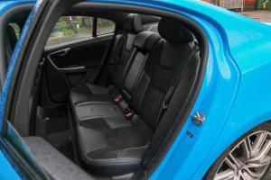沃尔沃S60后排座椅图片