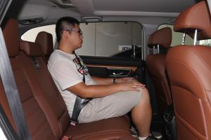 本田CR-V后排空间体验图片