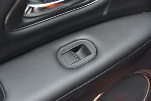XR-V2017款 1.8L VTi 自动 豪华版 外观琥珀橙 内饰黑色