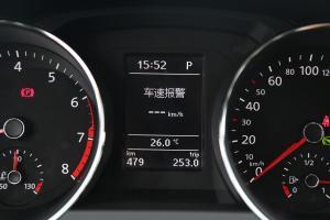速腾2017款 180TSI 自动 臻享型 外观极地白 内饰黑色