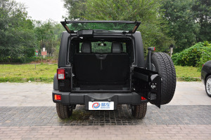 牧马人2017款 Jeep牧马人 3.6L 手自一体两门舒享版 Rubicon