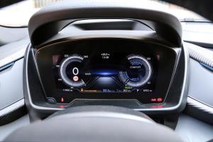 宝马i8仪表盘图片