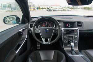 V60驾驶位区域