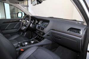 T600内饰全景副驾驶员方向