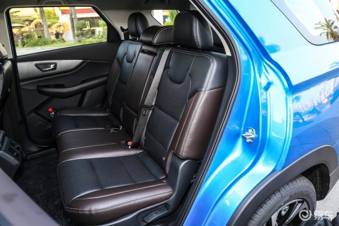 风光S560S560后排座椅