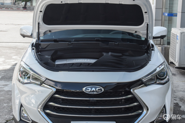 动力方面,预计新车在动力方面不会做出调整,依然搭载1.5T和2.0T两款发动机,在传动系统方面,该车将提供6速手动变速箱和6速双离合变速箱。