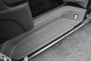 海狮2011款 丰田海狮 2.7L 自动 豪华版 超长轴距高顶式 13座