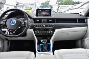 景逸S50 EV中控台整体