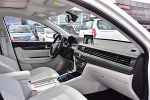 景逸S50 EV内饰全景副驾驶员方向