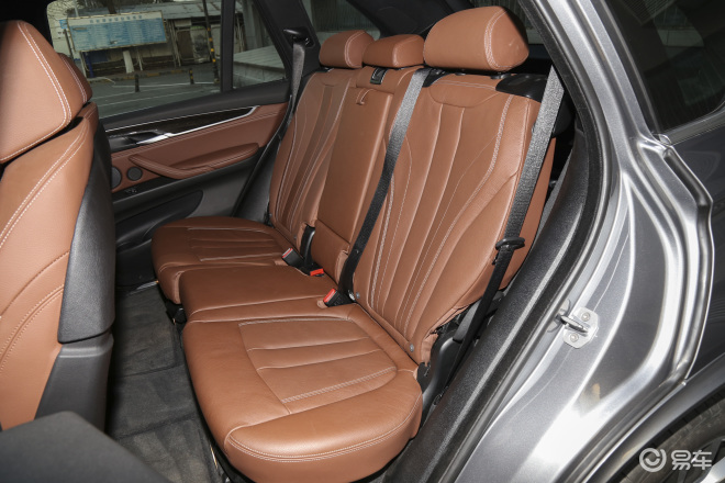 宝马X5X5后排座椅