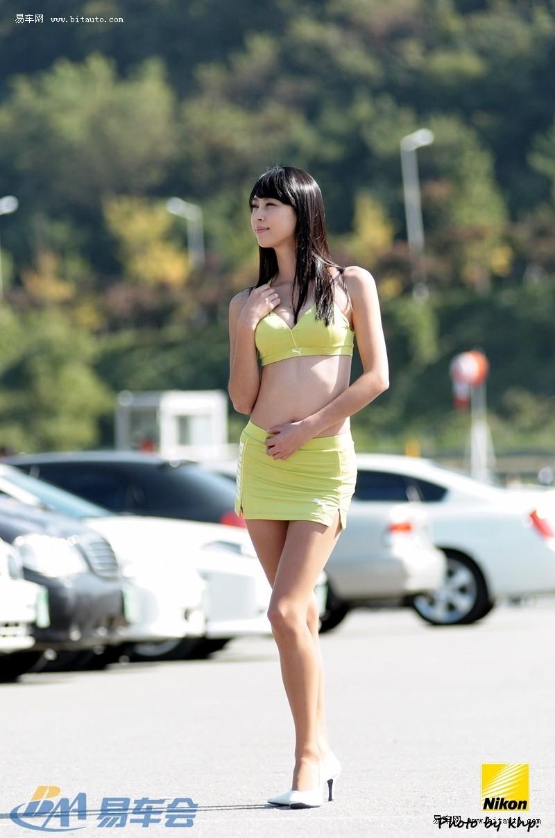 韩国闷骚野兽室外写真美女背景图片车模与图片
