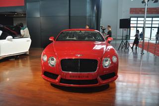 宾利GT V8