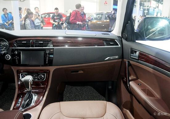 国内首款DCT中级SUV众泰T600 11月上市