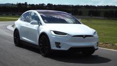 特斯拉Model X 采用鹰翼门设计SUV车型
