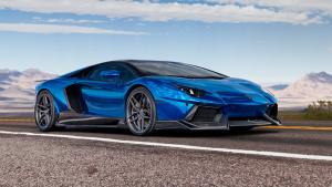 兰博基尼Aventador 亮蓝色车身个性十足