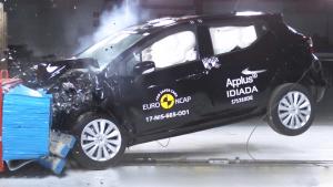 新一代日产玛驰碰撞测试