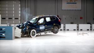 2016款宝马X1 美国IIHS正面40%碰撞测试