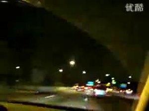 夜晚巴西街头横冲直闯的奔驰CL65-1