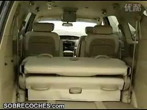 双龙路帝汽车内部驾驶室的实拍