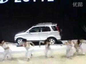 车友实拍的众泰5008车展亮相视频