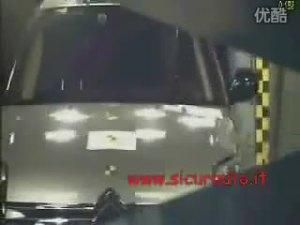 法国雪铁龙C6安全碰撞视频报告