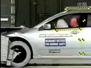三菱戈蓝安全气囊正面碰撞测试