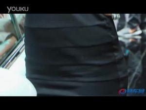 2011上海车展 标致308cc展台可爱车模