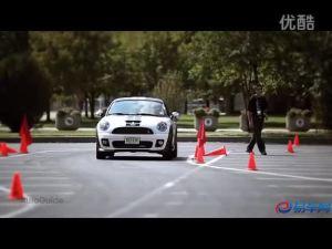 小型跑车 外媒首测2012款MINI COUPE