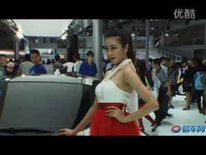 2011广州车展 本田CRZ风华绝代红裙嫩模