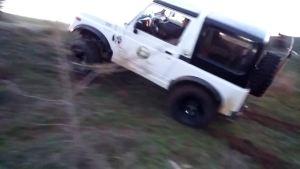 大小不惧 铃木武士 Jeep切诺基轻松越野