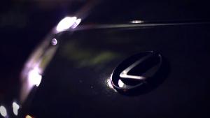 雷克萨斯SC400 夜间华丽与冷艳的光彩