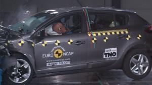 2014款雷诺梅甘娜 E-NCAP碰撞测试