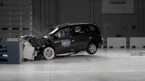2014马自达5 IIHS正面40%碰撞测试